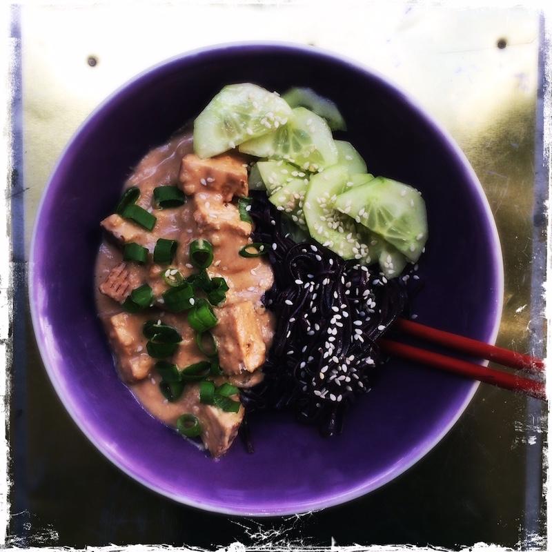 Tofu sauce saté végane