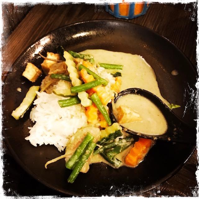 Curry vert aux légumes chez Yaai Thaï