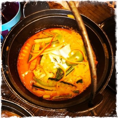 Curry rouge aux légumes chez Yaai Thaï
